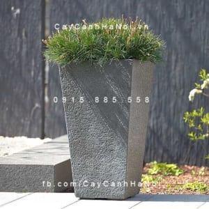 Chậu hoa composite Esteras Surrey trụ vuông vát đáy